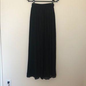 Dresses & Skirts - Pleated maxi skirt